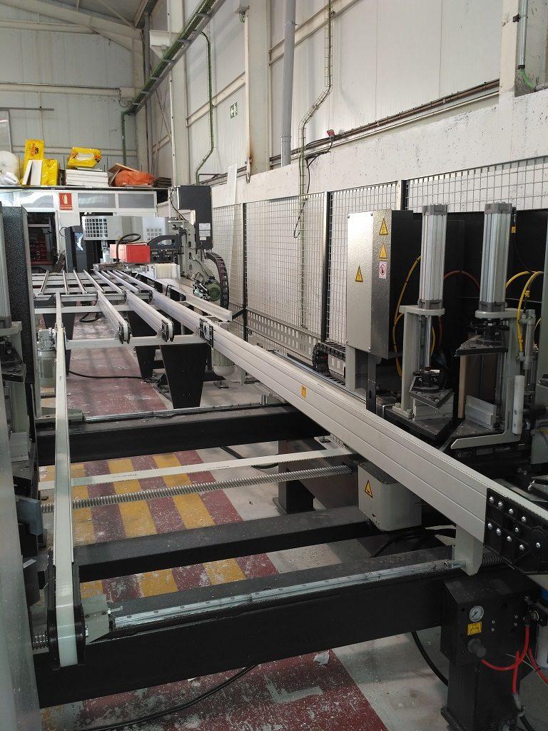 nuevas máquinas puertas y ventanas de aluminio y PVC para naves